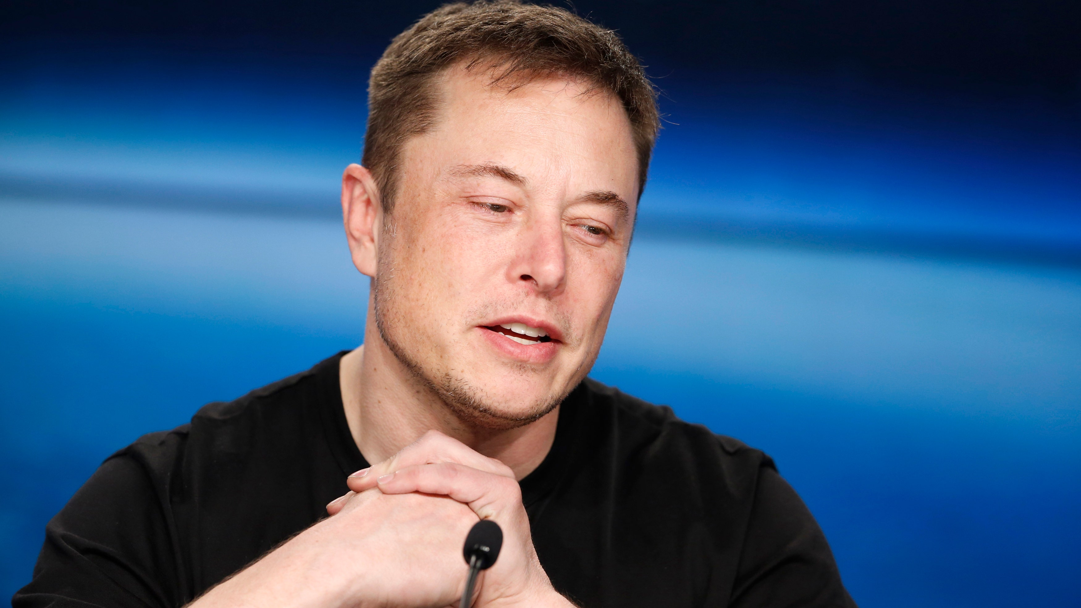 Elon Musk will pay for clean water in Flint