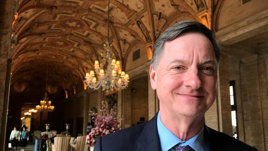Fed's Evans says he's optimistic on inflation, wants rate hikes