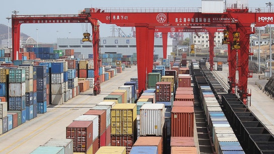 China's 1Q trade surplus with U.S. rises 19.4 pct y/y