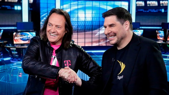 T-Mobile-Sprint $26 billion deal enters do or die review period
