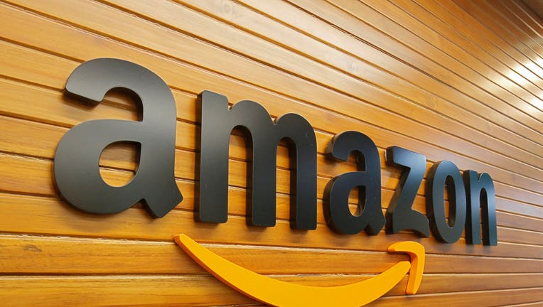 Amazon offers to buy 60 pct stake in India's Flipkart - CNBC-TV18