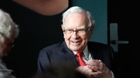 How much cash Warren Buffett is sitting on as he eyes 'elephant-sized' transaction