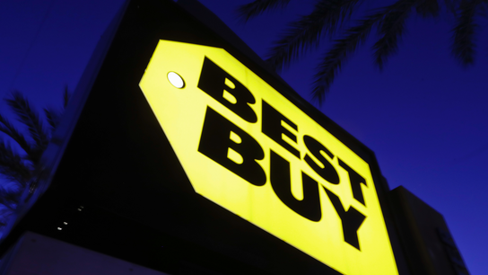 Best Buy is very strong in 1Q; Wall Street sours on outlook