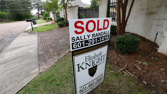 US key mortgage rate declines slightly to 4.55 percent