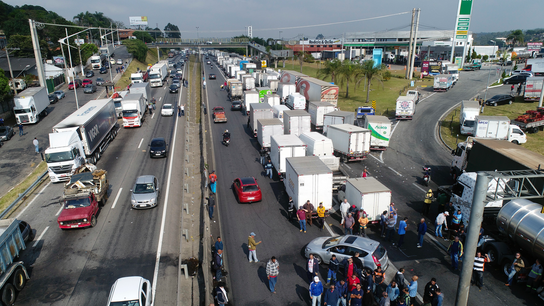 Brazil says deal reached to suspend damaging trucker strike