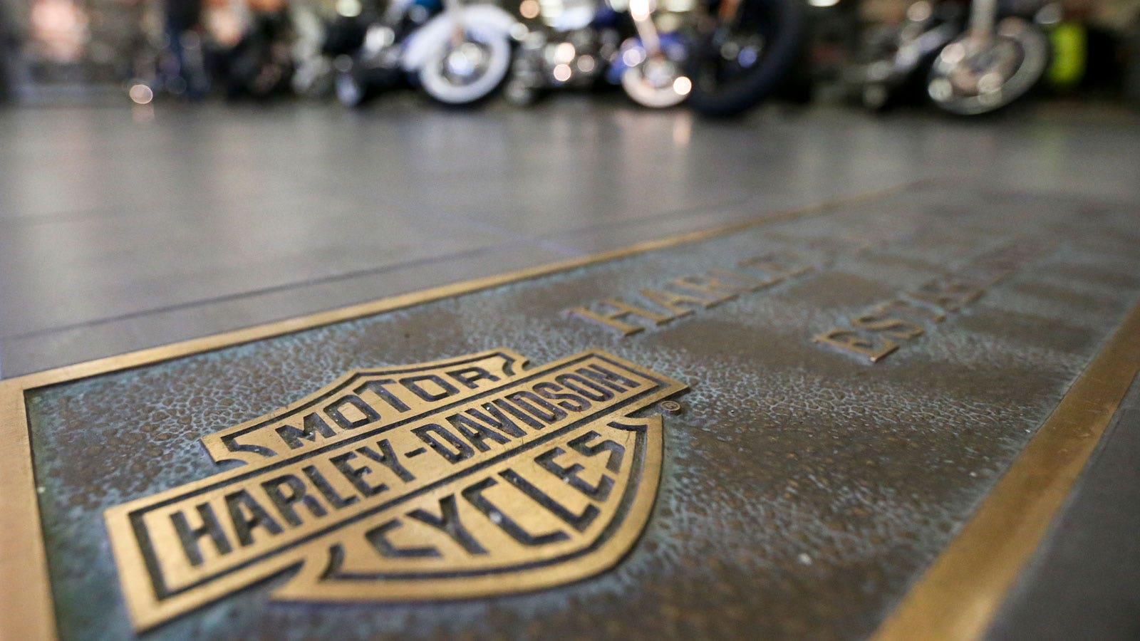 Harley Davidson Sees Tough Road Ahead As Us Sales Sputter Fox Business