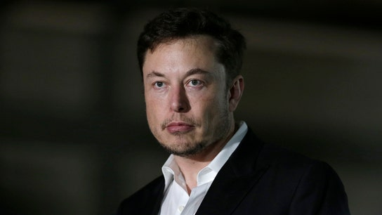 Elon Musk calls Amazon CEO Jeff Bezos a copycat in billionaire space race