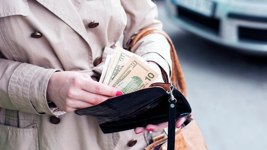 4 personal finance tips for financially fragile women