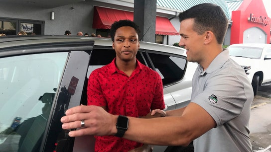 College student walks nearly 20 miles to first day of work, boss rewards him with car
