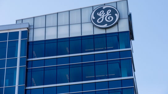 GE profit drops 30 percent as it continues trimming units