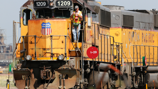 Union Pacific's 2Q profit jumps as volume rises 4 percent