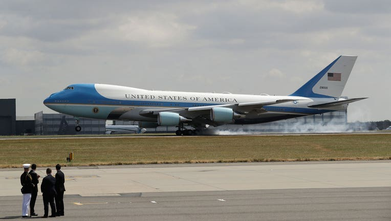 pas cher pour réduction 4bae8 5b01d Trump: New Air Force One will have 'red, white and blue ...