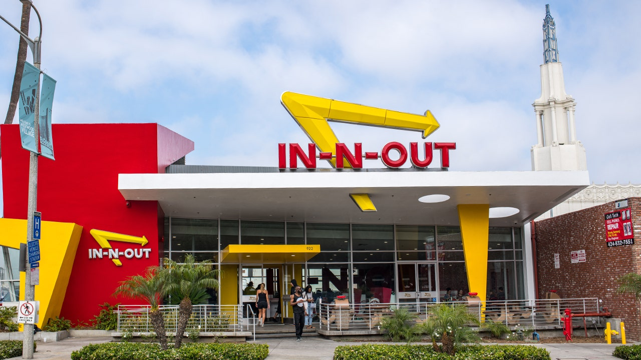In-N-Out's first-ever Colorado locations see long lines on opening day thumbnail