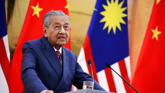 Malaysia lobbies for Chinese help amid fiscal woes