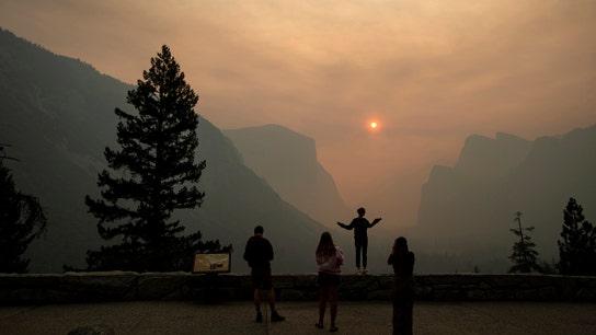 'Hazardous' smoky air shuts Yosemite in peak tourist season
