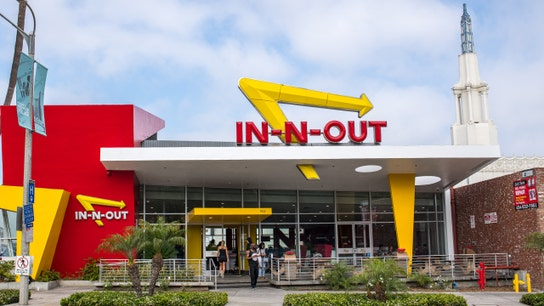 In-N-Out Burger managers' salaries 'eons above' competitors: How popular fast food chains compare