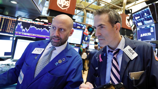 US stock indexes turn lower on renewed trade concerns