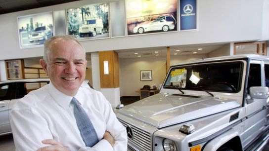 AutoNation CEO Mike Jackson to step down at yearend