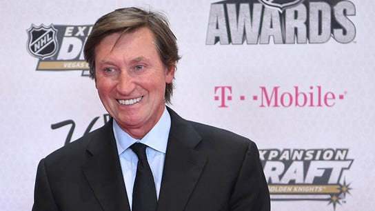 Wayne Gretzky talks hockey in China, UNTUCKit investment