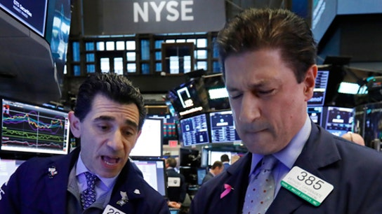 Dow closes up triple digits as US-China trade tensions ease