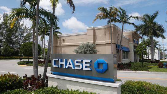 Driven by higher interest rates, JPMorgan profits rise