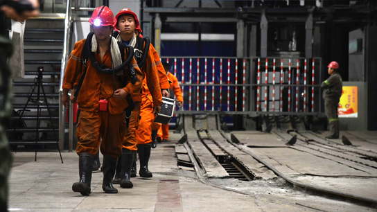 China emergency crews struggling to rescue 18 trapped miners