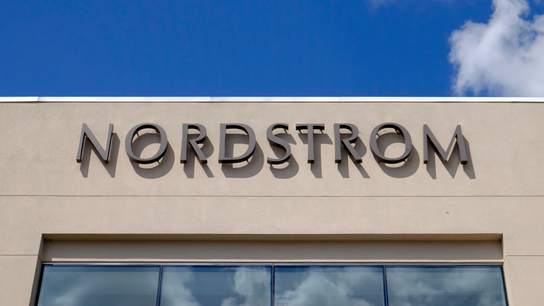 Nordstrom's guidance undercuts Q3 numbers, stock slides