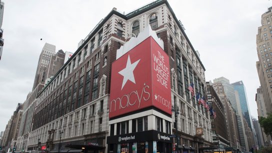 Macy's charges into the holiday shopping season like a boss