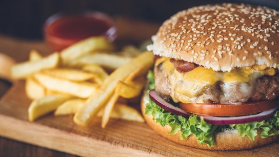 Rich Americans eat more fast food