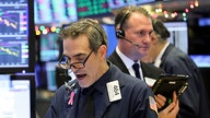 Dow reclaims 27,000 level as JPMorgan, UnitedHealth power gains