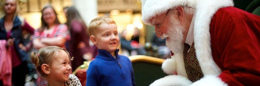 A good Santa Claus can rake in $15,000 for the season