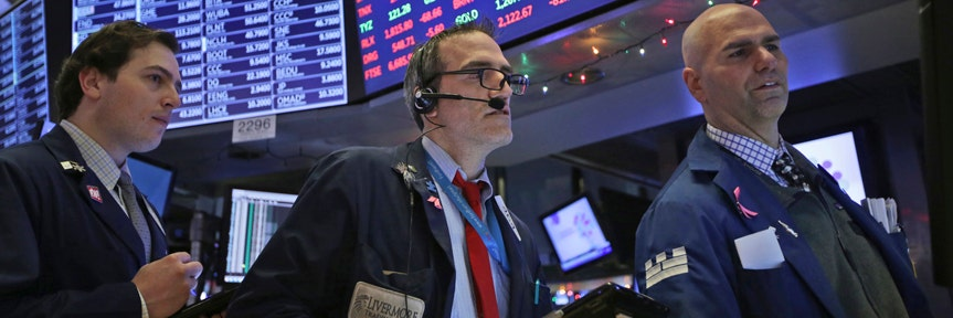 DOW TOPS 27,000 FOR FIRST TIME ON POWELL RATE CUT SIGNAL