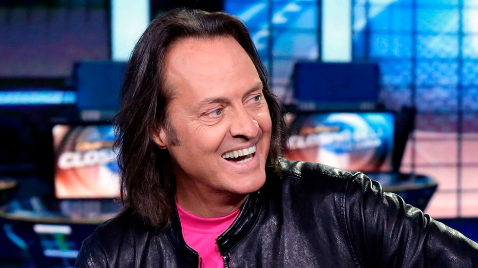 T Mobile Ceo John Legere To Leave Company In 2020 Be Succeeded By