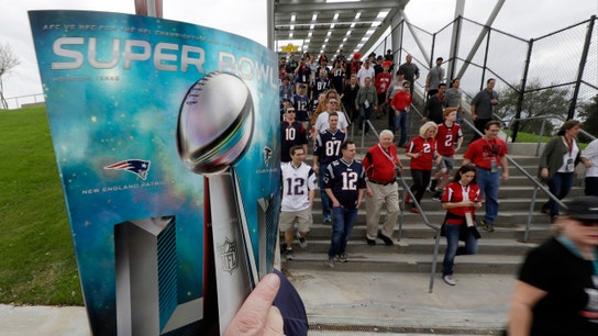 Cashless Super Bowl shopping? Visa, NFL are working on it