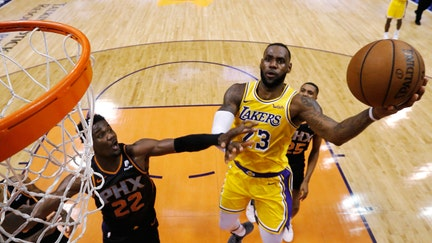 Lakers' Davis passes on $146M contract offer and possibly playing again with LeBron James