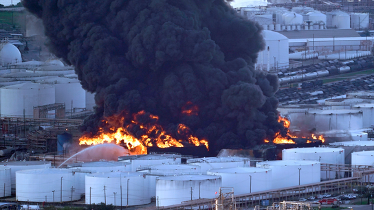 No timetable for end to fire at Texas chemical facility