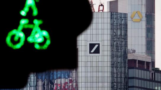 Merkel: German government shouldn't intervene in bank talks
