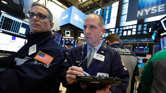 S&P 500 posts biggest quarterly gain in a decade; Lyft soars