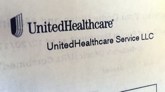 UnitedHealth beats expectations all around, stock still lags