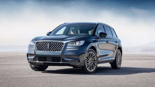 Luxury SUV market is scorching, Lincoln president says