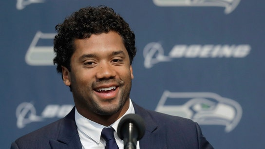 Russell Wilson buys Amazon stock for Seahawks linemen, here's how much