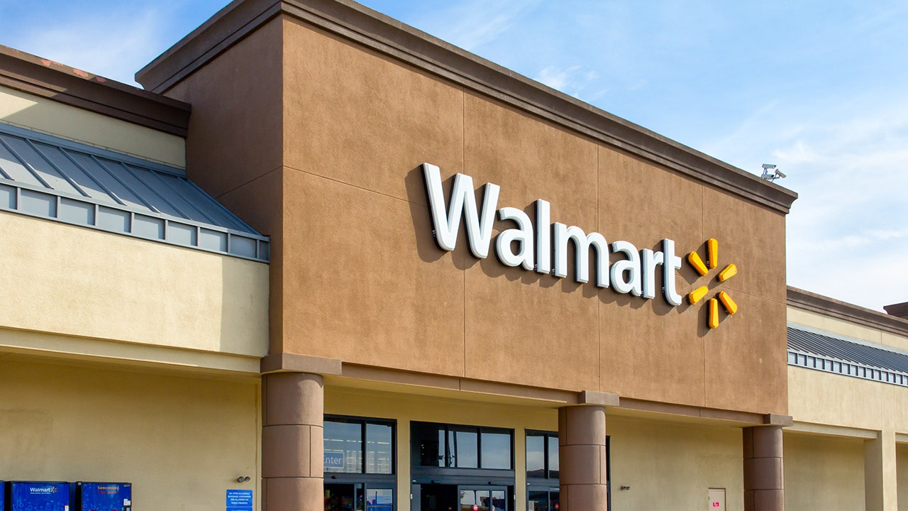 Walmart adds AI-powered cameras to more than 1,000 stores to