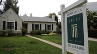 Baby boomers staying in homes versus downsizing after retirement, report says