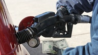 Average price of US gas drops 1 penny per gallon to $2.65