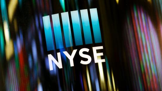 Technology stocks push the market lower, extending losses