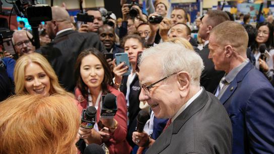 Warren Buffett calls Fed Chair Jerome Powell right man for the job