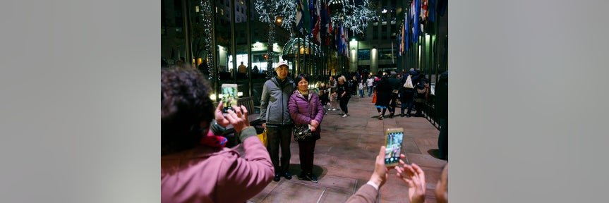 Chinese tourism to US declines for first time since 2003