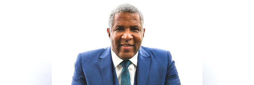 Billionaire Robert F. Smith pledges to pay Morehouse College class of 2019's student debt