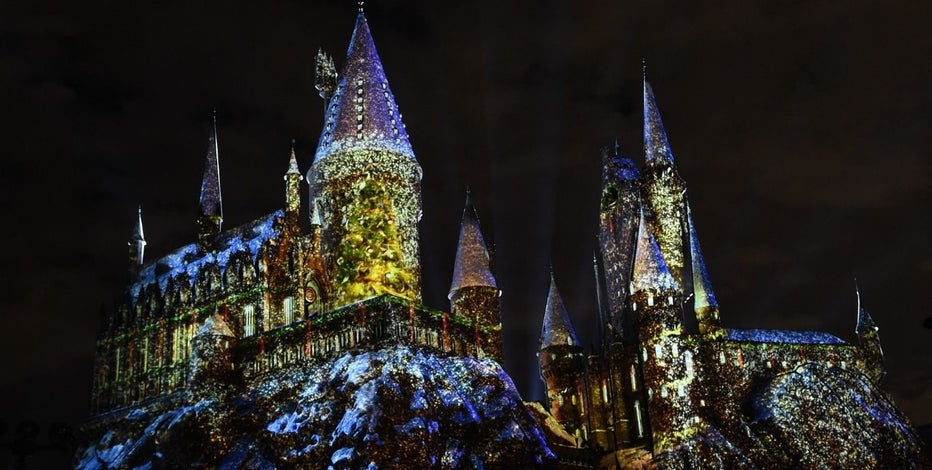 JK Rowling Announces Four New 'Harry Potter' Books Are Coming