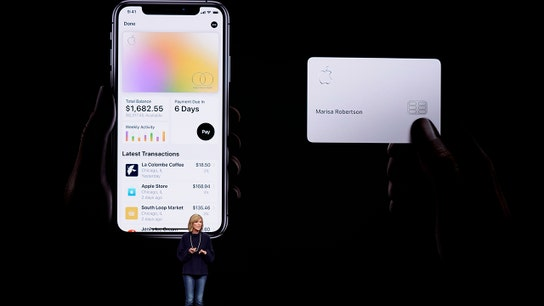 Apple Card takes 'digital-banking battle' to new level